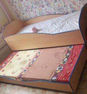 Кровать двухуровневая