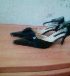 Обувь женская,все по сто рублей