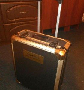 Инструменты в чемодане 180 предметов