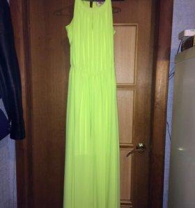 Платье в пол. Ярко салатового цвета