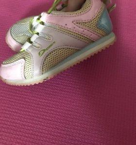 Кроссовки для девочек,23размер