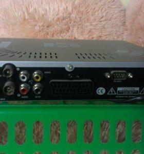 Спутниковый ресивер Golden Lnterstar DSR-8001