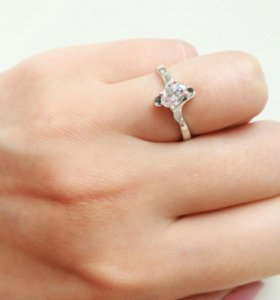 Кольцо серебро 925 проба.16-16,5 размер