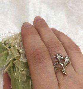 кольцо с бриллиантом ! новое