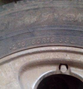 Продам комплект колес 215 60 16