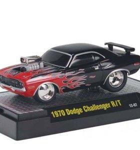 M2 Machines 1:64 1970 Dodge Challenger R/T