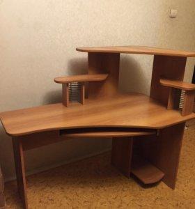 Компьютерный,письменный стол