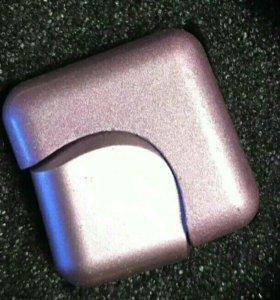Спиннер металлический в виде кубика. Новый.