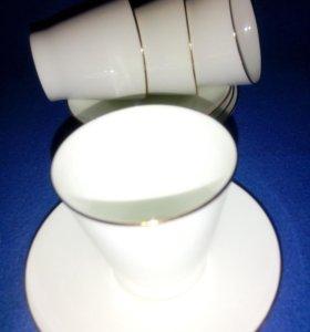 Четыре кофейных чашки с блюдцем. Костяной фарфор.