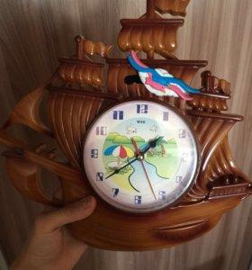 Продам часы с маятником и музыкой