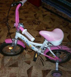 Детский велосипед четырехколесный