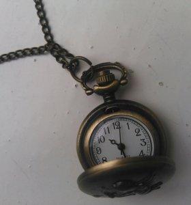 Часы-подвеска на цепочке