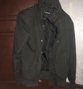 Осенняя куртка ( размер м )