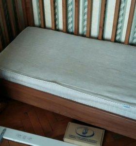 Детская кровать/качалка с ящиками