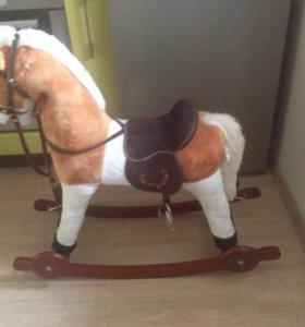 Качалка-лошадка музыкальная