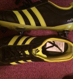 Кроссовки Adidas boots для футбола новые40