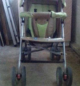 Зелёная коляска трость
