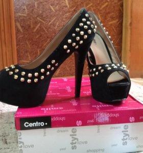 Туфли черные 38 размер