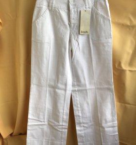 Белые брюки 44 размер рост 160.