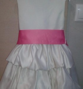 Продаю очень качественное и обалденное платье