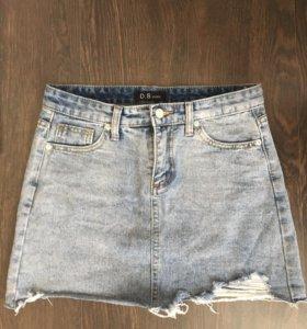Юбка джинс новая размер 42 носится на талии