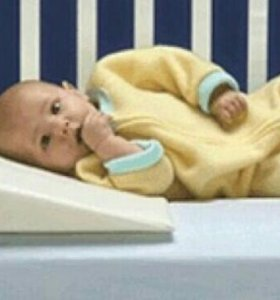 Подушка от срыгивания для малышей