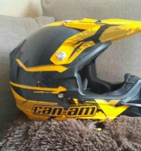 шлем почти новый
