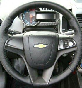 Кожаная оплётка на руль на Chevrolet