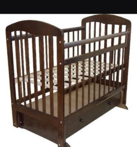 Кроватка с маетником