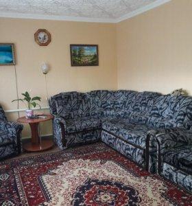 Мягкая мебель. Диван уголок и 2 кресла.