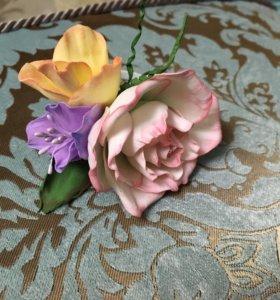 Цветы, броши, заколки на заказ и в наличии.