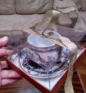 Фарфоровая чашка с ложкой