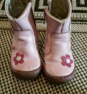 Ботинки кожаные 22 размер, фирма антилопа