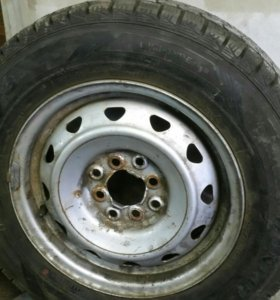1 колесо резина dunlup почти новая
