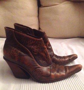 Казаки ботинки 37 натуральная кожа