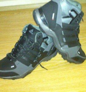 Новые зимние кроссовки Asides Terrex