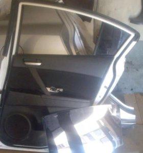 Дверь на Mazda3.