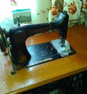 Швейная машинка Зингер (ножная)