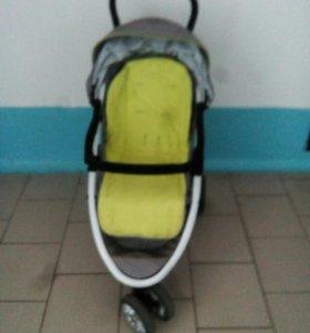 Детская 3-х колёсная коляска