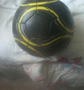 Продам бутцы и мяч