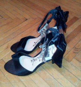 Туфли выходные, праздничные плюс подарок