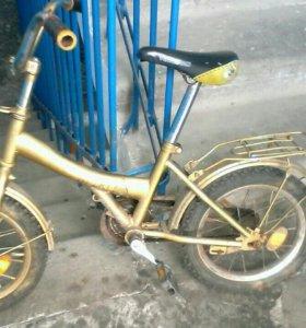 Велосипед на ходу.для ребенка 5-7 лет.
