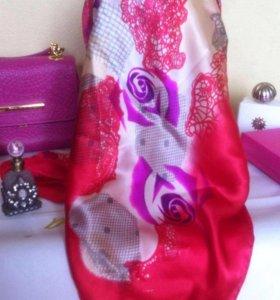 Valentino  натуральный шелк новый платок 90/90 см.