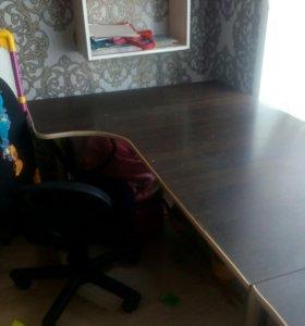 Учебный стол, модульный, в хорошем состоянии
