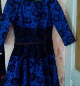 Красивое платье р.42-44