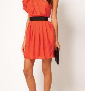 Платье, цвет как на манекене, чёрный пояс