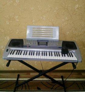 Синтезатор новый с подставкой