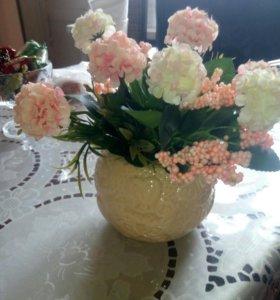 Декоративные цветочки в горшках