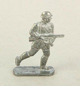 Оловянный солдатик красноармеец