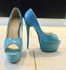 Крутые новые туфли